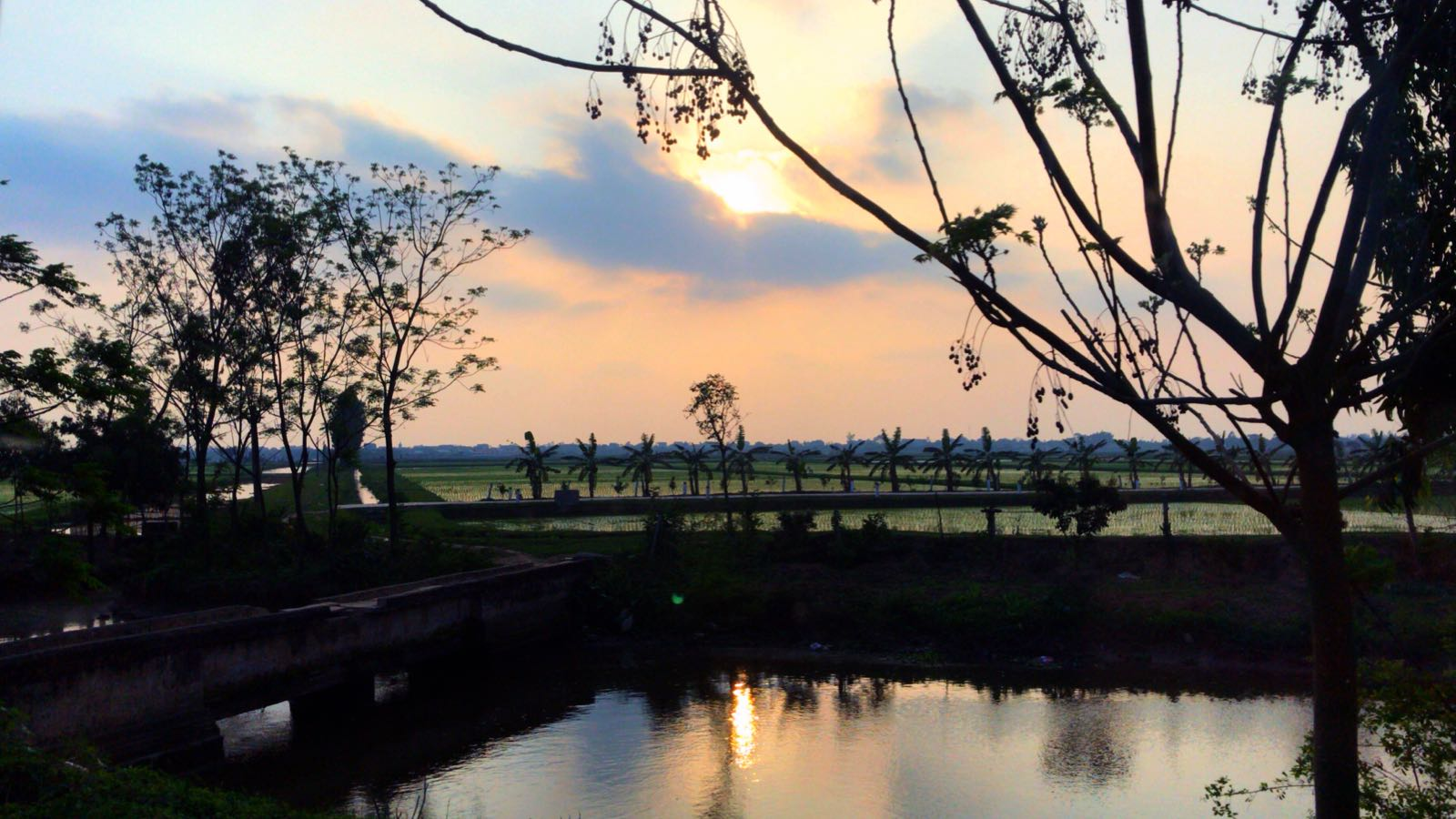 View in one of the evenings in Vietnam, Hung Yen